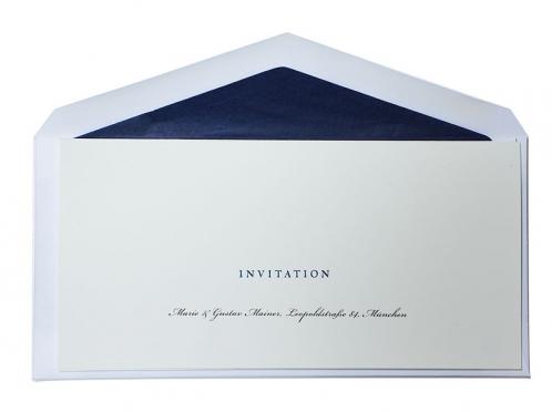 Einladungskarten zum Geburtstag, Event, Dinner oder Feier mit blauer Folienprägung und blau gefüttertem Briefumschlag.