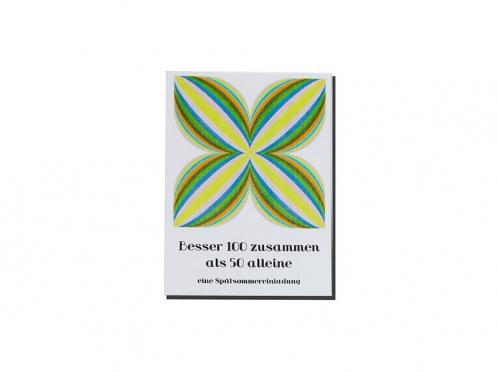 Gästebuch mit Umschlag und Sticker im Retro Design.