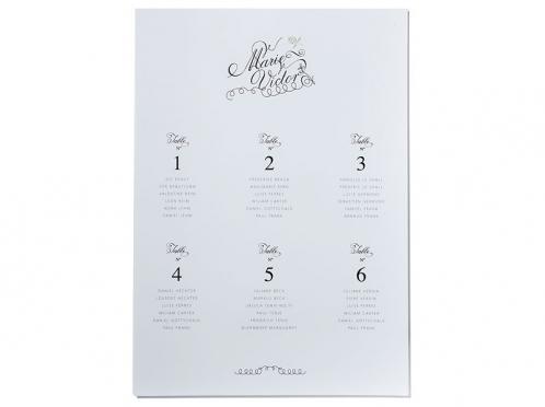 Sitzplatz in kalligrafischer Schrift und Blindprägung gedruckt auf Feinstpapier.