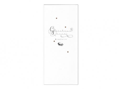 Menükarte in kalligrafischer Schrift mit gold geprägten Schneeflocken.