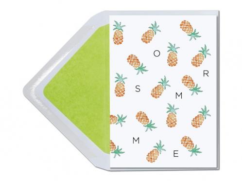 Personalisierbare Einladungskarten mit illustrierter Ananas und grün gefüttertem Briefumschlag.