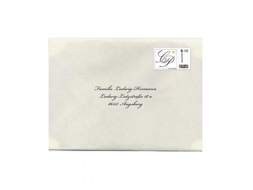 Briefumschlag bedruckt und personalisiert mit der Anschrift Ihrer Gäste.