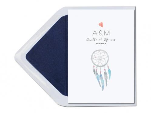 Hochzeitseinladungen mit Traumfänger, Herz und Feder in Aquarellfarben.