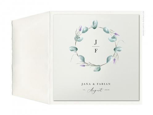 Büttenpapier Hochzeitseinladung mit Eukalyptus & Lavendel Kranz.