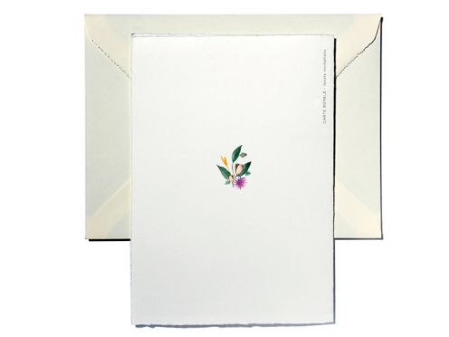 Edle Weihnachtskarte mit Kranz gedruckt auf weichem Büttenpapier und goldenen Herzchen. Ein Fest der Liebe!