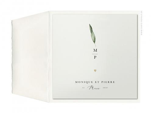 Hochzeitseinladung mit Olivenblatt in Aquarell, gold geprägtes Herz, gedruckt auf feinem Büttenpapier.