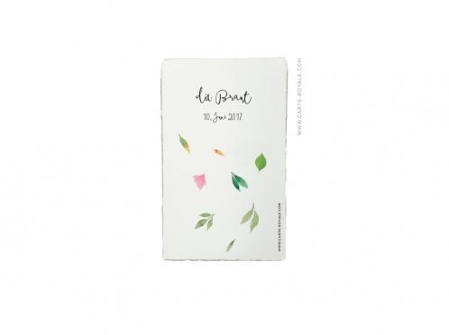 Personalisierte Tischkarte mit Blättern in Aquarellfarben, von Hand gerissenem Büttenpapier.