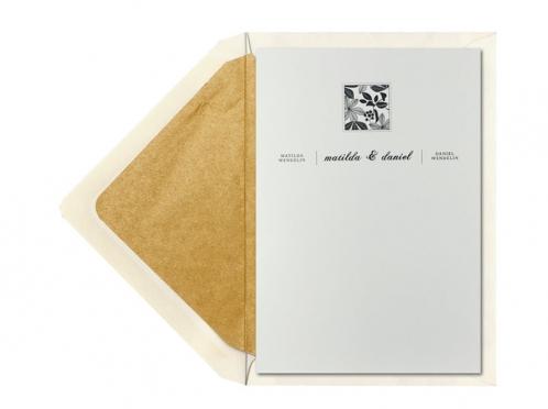 Danksagungskarten mit Illustrierten Kastanienblätter.