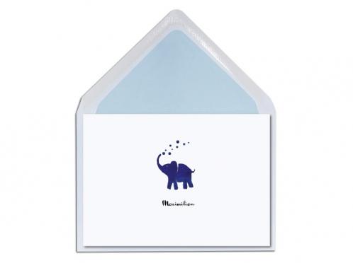 Geburtskarte mit kleinem Elefant inkl. hellblau gefüttertem Briefumschlag.