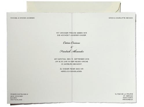 Kalligrafische Einladungen mit gold geprägtem Herz inkl. Umschlag.