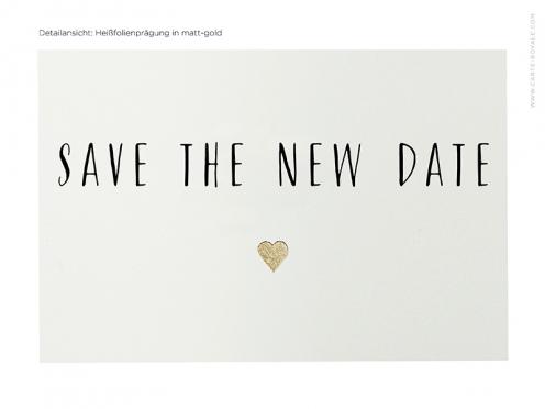 Das Hochzeitsdatum wird verschoben. Stilvolle und hochwertige Save-the-Date Karte mit Prägung auf Büttenpapier.