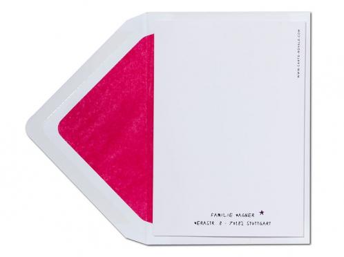 Taufeinladung in Lieblingsfarben mit pink gefüttertem Briefumschlag.