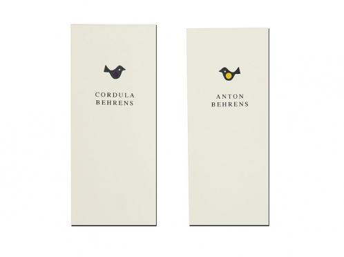 Personalisierte Tischkarten mit 2 unterschiedlichen Vögelchen.