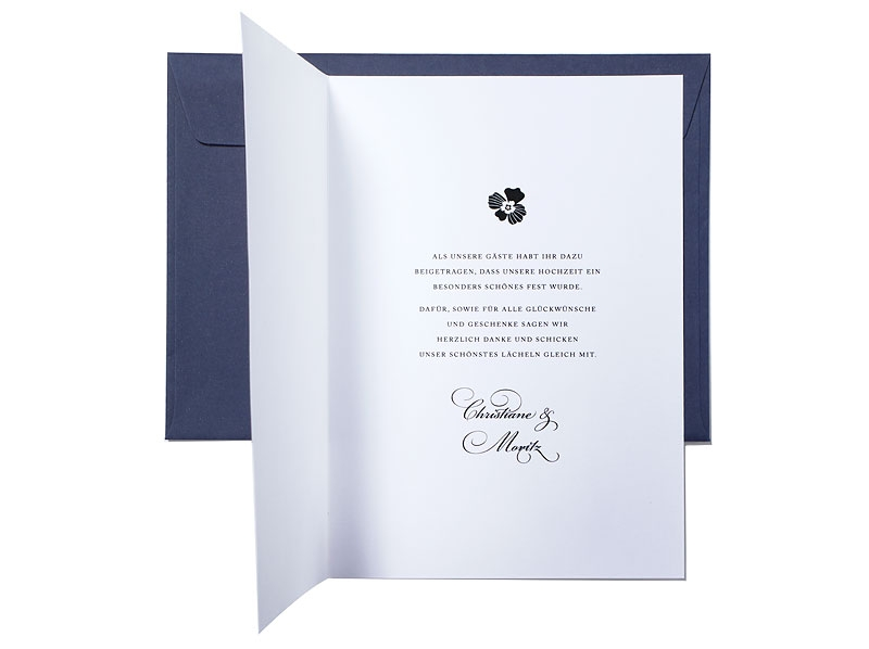 Danksagungskarten im Din A5 Format mit Blüten, Kalligrafie und kleinem Ornament.