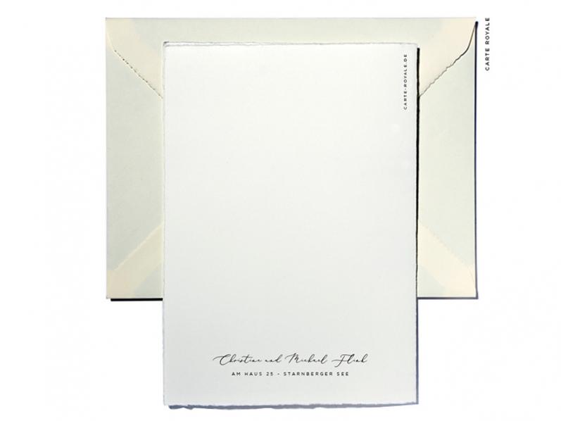 Hochwertige Einladungskarten gedruckt und gold geprägt auf weichem Büttenpapier.