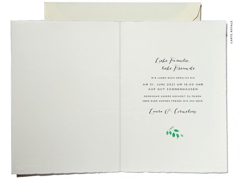 In Aquarell gezeichneter Blätter- und Blumenkranz, Hochzeitskarten gedruckt auf Büttenpaier.
