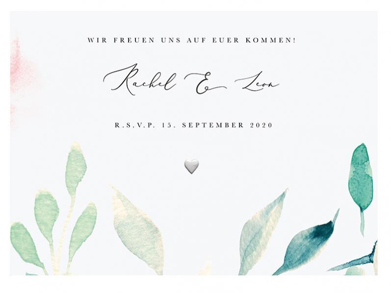Hochzeitseinladungskarten mit geprägtem Herz und Blumen in Aquarell.
