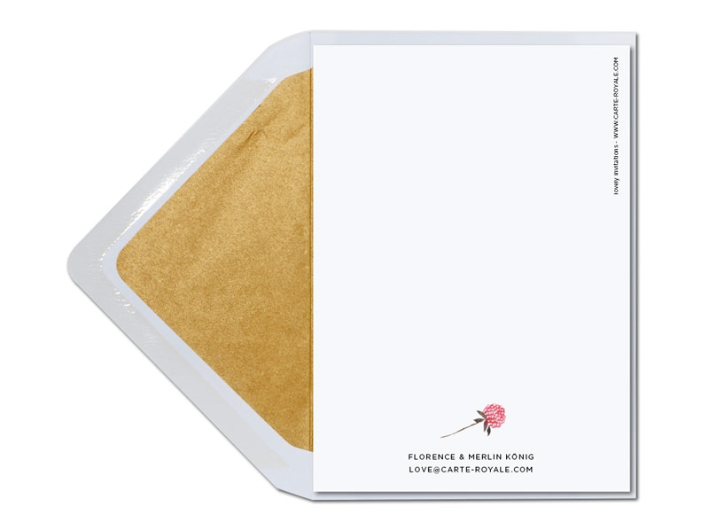 Danksagung mit Blumen in Aquarellfarben und Gold gefüttertem Briefumschlag.
