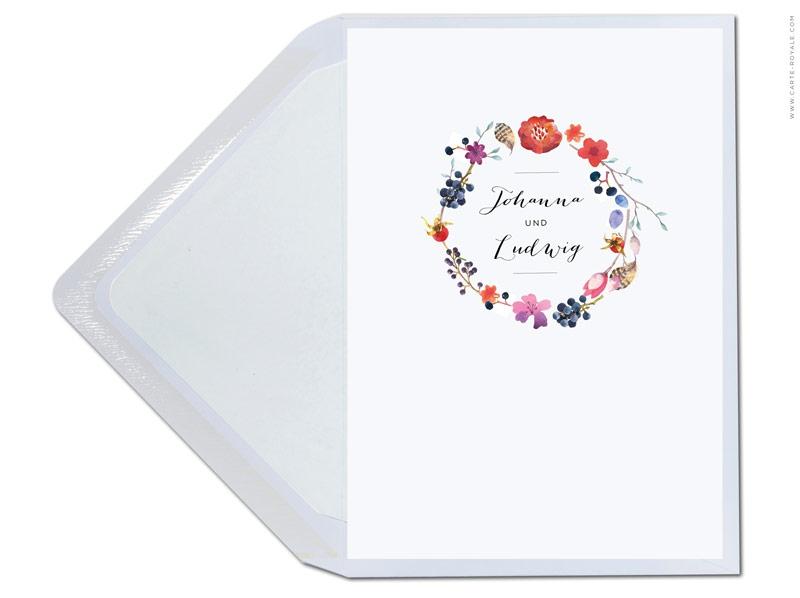 Einladungskarte mit Blumenkranz, Federn und Trauben inkl. Briefumschlag.