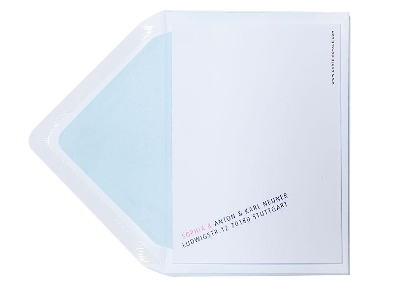 Geburtskarte mit 2 Herzen in blau und pink inkl. Briefumschlag mit hellblauem Futter.