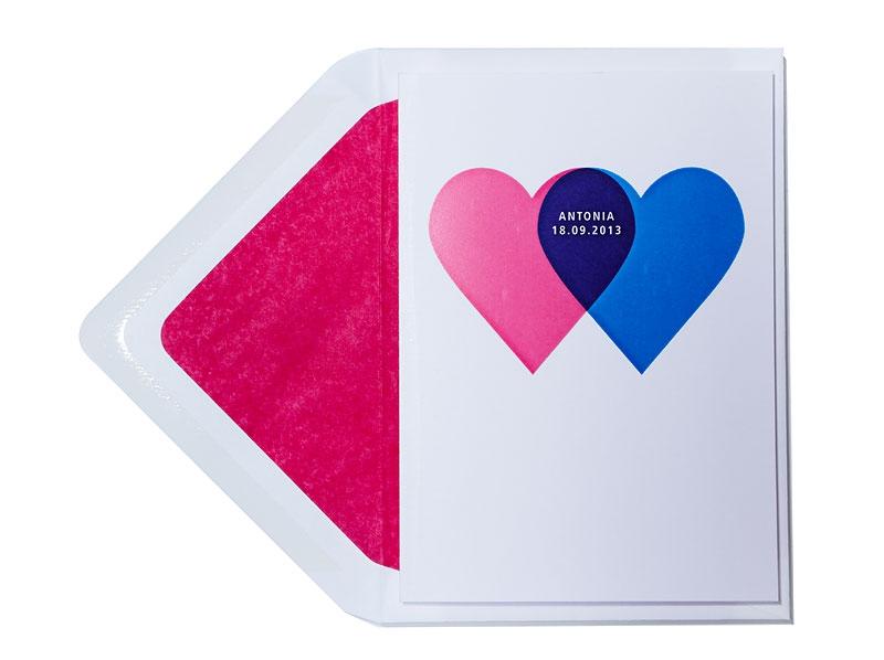 Geburtskarte mit 2 Herzen inkl. Briefumschlag mit pinkem Futter.