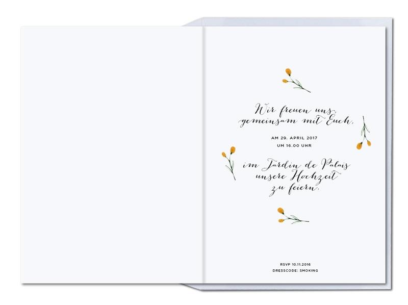 Hochzeitskarten mit gezeichneter Blume in orange und passendem Briefumschlag.