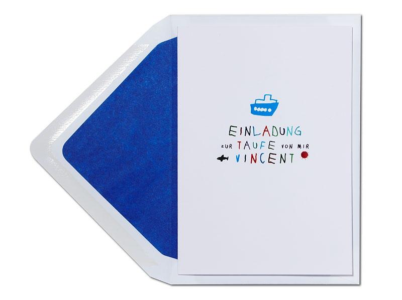 Taufeinladung mit kleinem Dampfer und royalblau gefüttertem Briefumschlag.